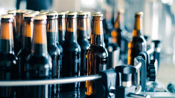 Etykiety na butelki z alkoholem